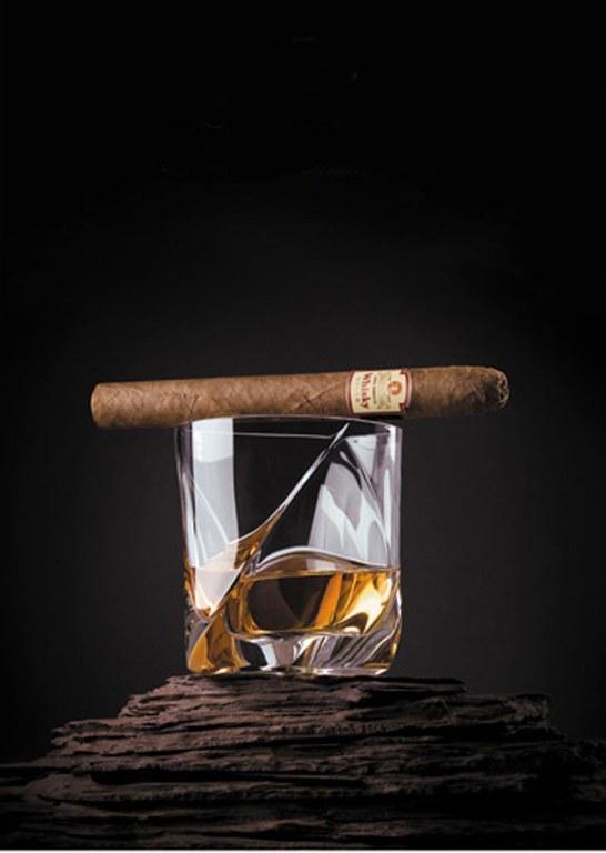 Zigarren und Spiritousen im Yesterday
